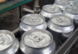 Cina High speed Pop Aluminum Can Filling Machine Pneumatic Control 3000 cans/hour (300ml) pabrik